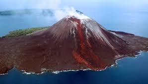 Klarifikasi BMKG Terkait Retakan Baru Gunung Anak Krakatau