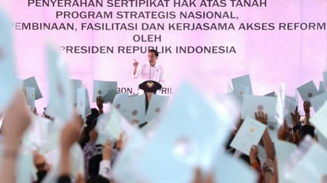 KPA Indikasi Aroma Politik di Pembagian Sertifikat Tanah Oleh Jokowi