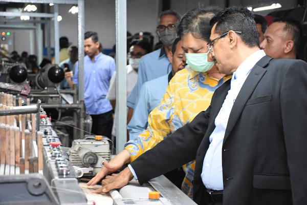 Pemerintah Dongkrak Produktivitas Industri Tekstil dan Pakaian