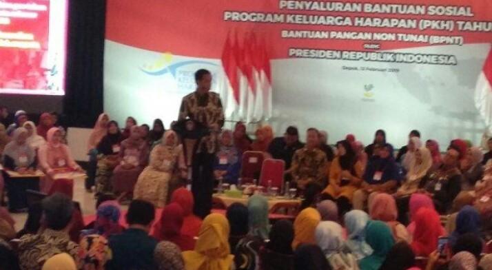 Jokowi Ingatkan Uang PKH Untuk Pendidikan dan Gizi Anak