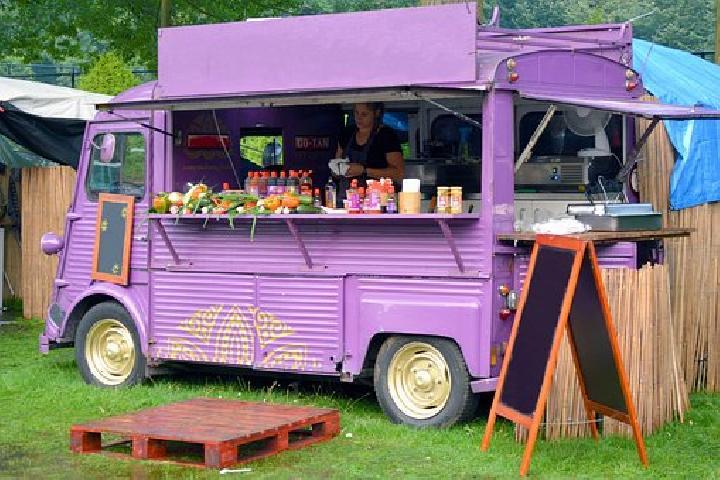 Pesta Kuliner di Kreatif Food Truck Denpasar Pada Akhir Pekan