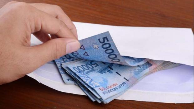Penipuan Amplop Isi Cek Rp 3,7 M di Depok