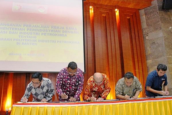 Kemenperin Fasilitasi Pembangunan Politeknik Industri Petrokimia di Banten