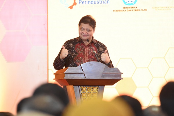 """Pendidikan Vokasi """"Link and Match"""" SMK dan Industri Lampaui Target"""