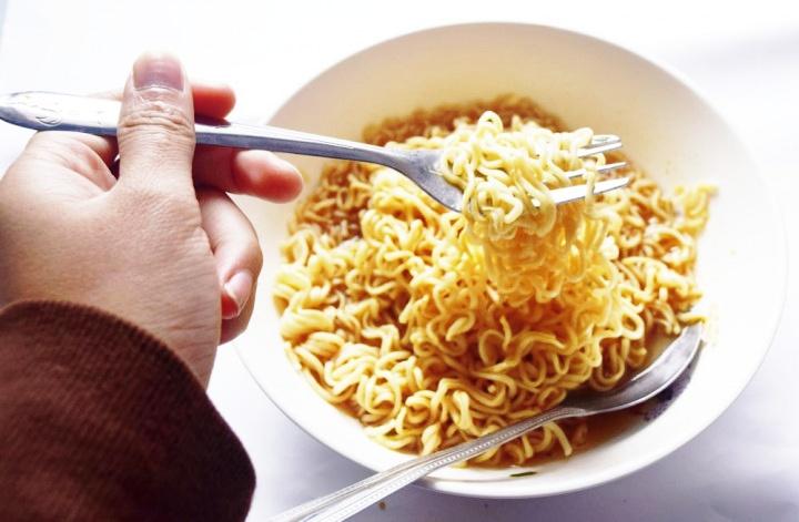 Mie Instan Menyebabkan Meningkatnya Hipertensi di Kalangan Anak Muda