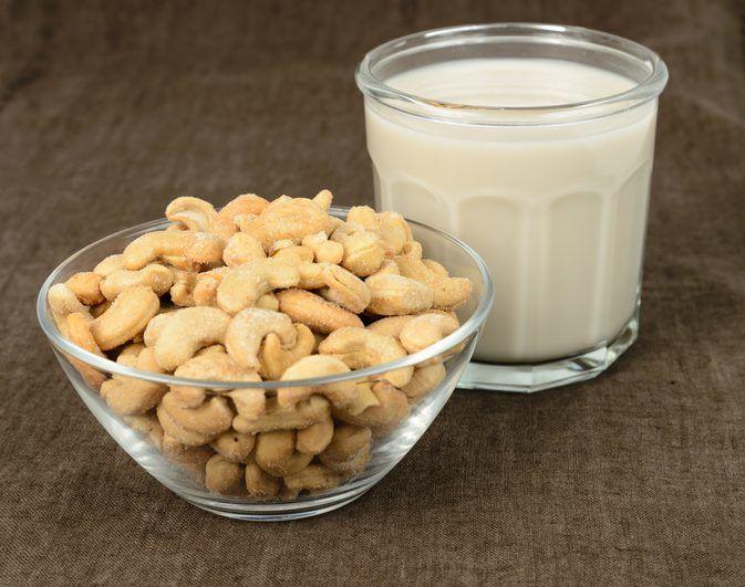 Yuk Cobain Resep Susu Kacang Mete (Cashew Milk) Dan Buat Di Rumahmu Sendiri