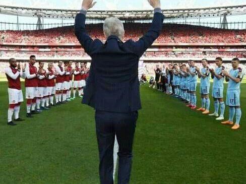 Throwback : Setahun Yang Lalu Arsene Wenger Berpisah Dengan Arsenal Setelah Mengabdi Selama 22 Tahun