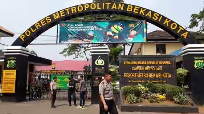 Polisi Bersenjata Api Patroli 24 Jam di Bekasi Selama Pencoblosan