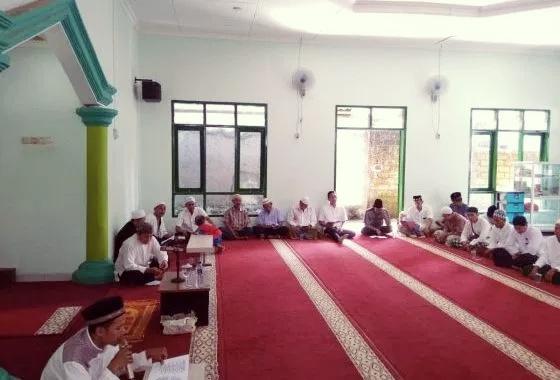 Jamaah Musholla As Syifa Depok Sambut Ramadhan