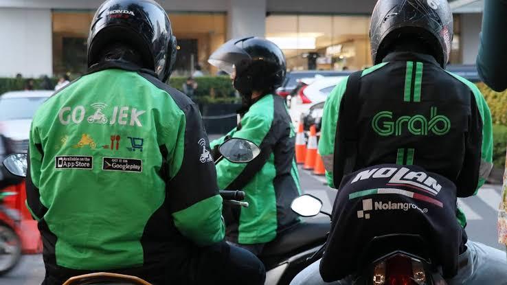 Pengemudi Ojek Online Tewas di Jalan Raya Bojongsari Depok