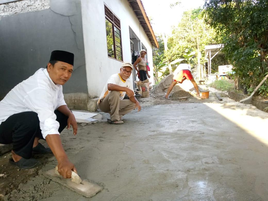 Rw 3 Kelurahan Bedahan Urunan Perbaiki Jalan
