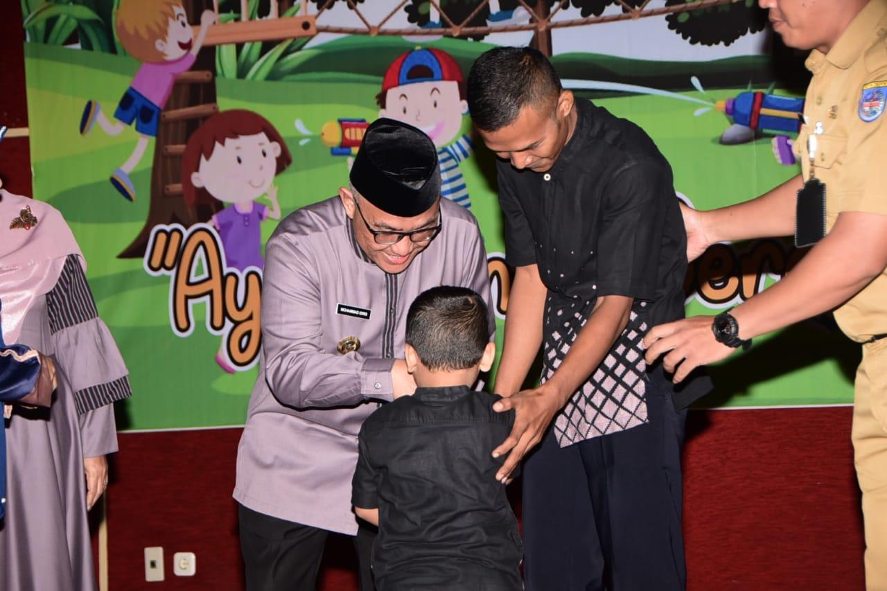Gencar Kampanyekan Ketahanan Keluarga, Mohammad Idris Launching Sekolah Ayah Bunda