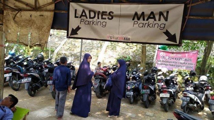 Viral Lahan Parkir Sepeda Motor di Depok