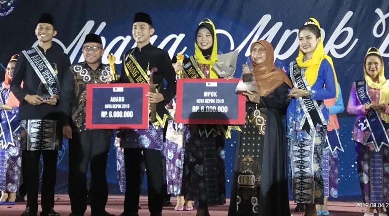 Athir dan Risya Terpilih sebagai Abang Mpok Kota Depok Tahun 2019