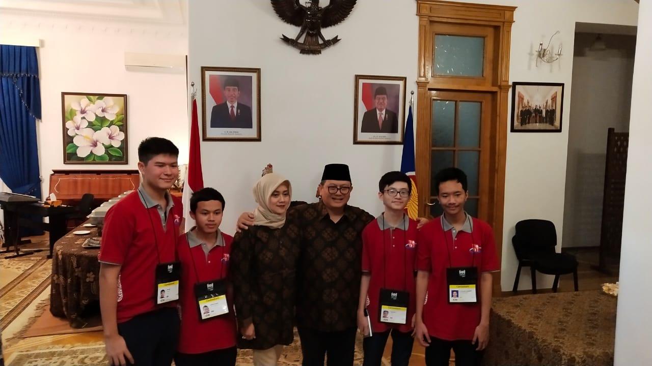 Indonesia kembali berjaya di ajang Olimpiade Informatika Internasional di Baku, Azerbaijan
