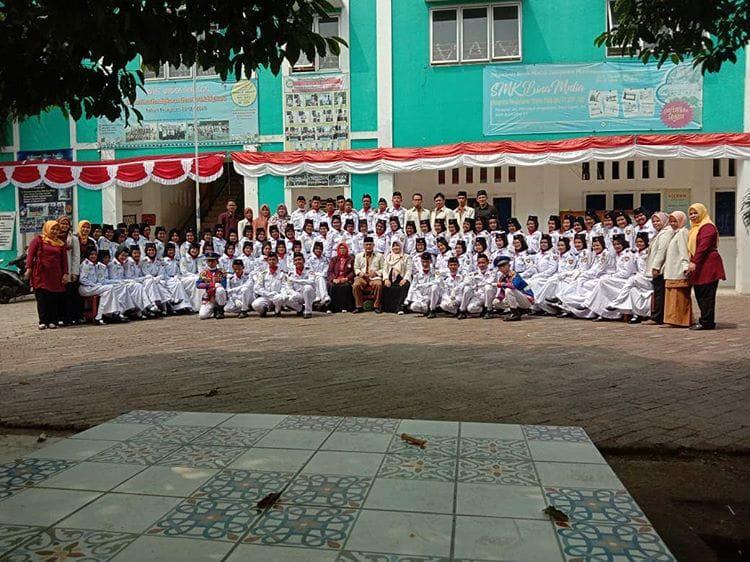 Paskibra SMP Bina Mulia Kawal Upacara HUT RI Ke 74 Tingkat Kelurahan Pasir Putih