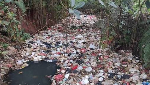 Kali Utan Jaya Depok Dipenuhi Sampah