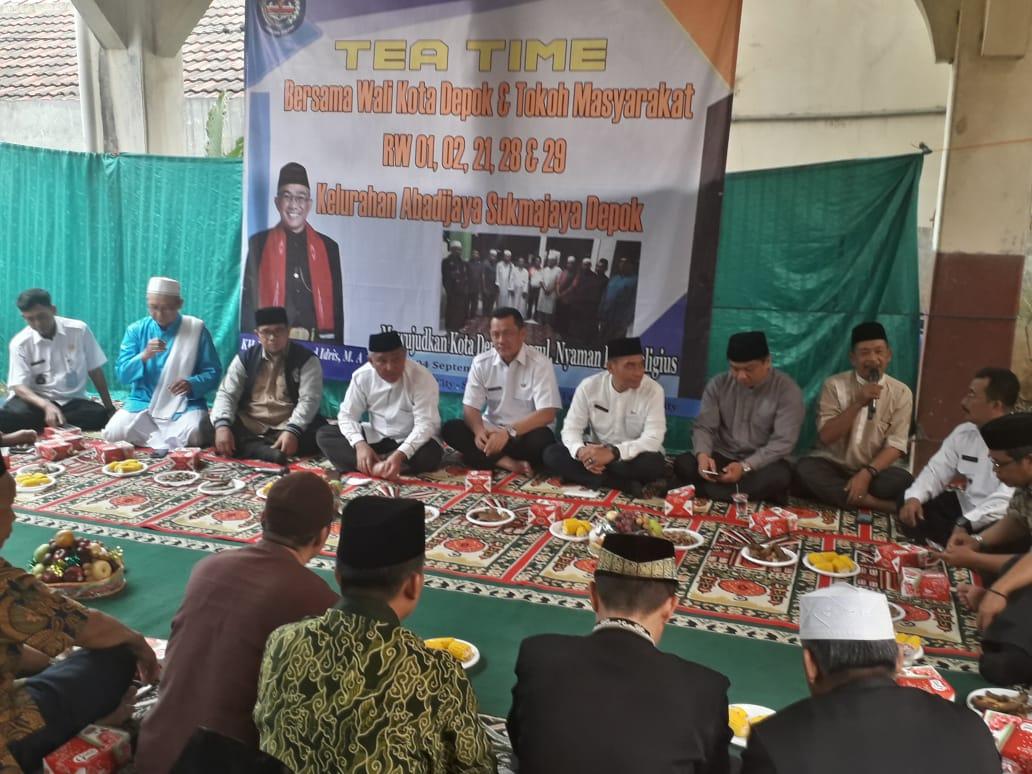 Tea Time Bersama Wali Kota Depok, Kiai Idris Bantu Masjid Daruttaqwa