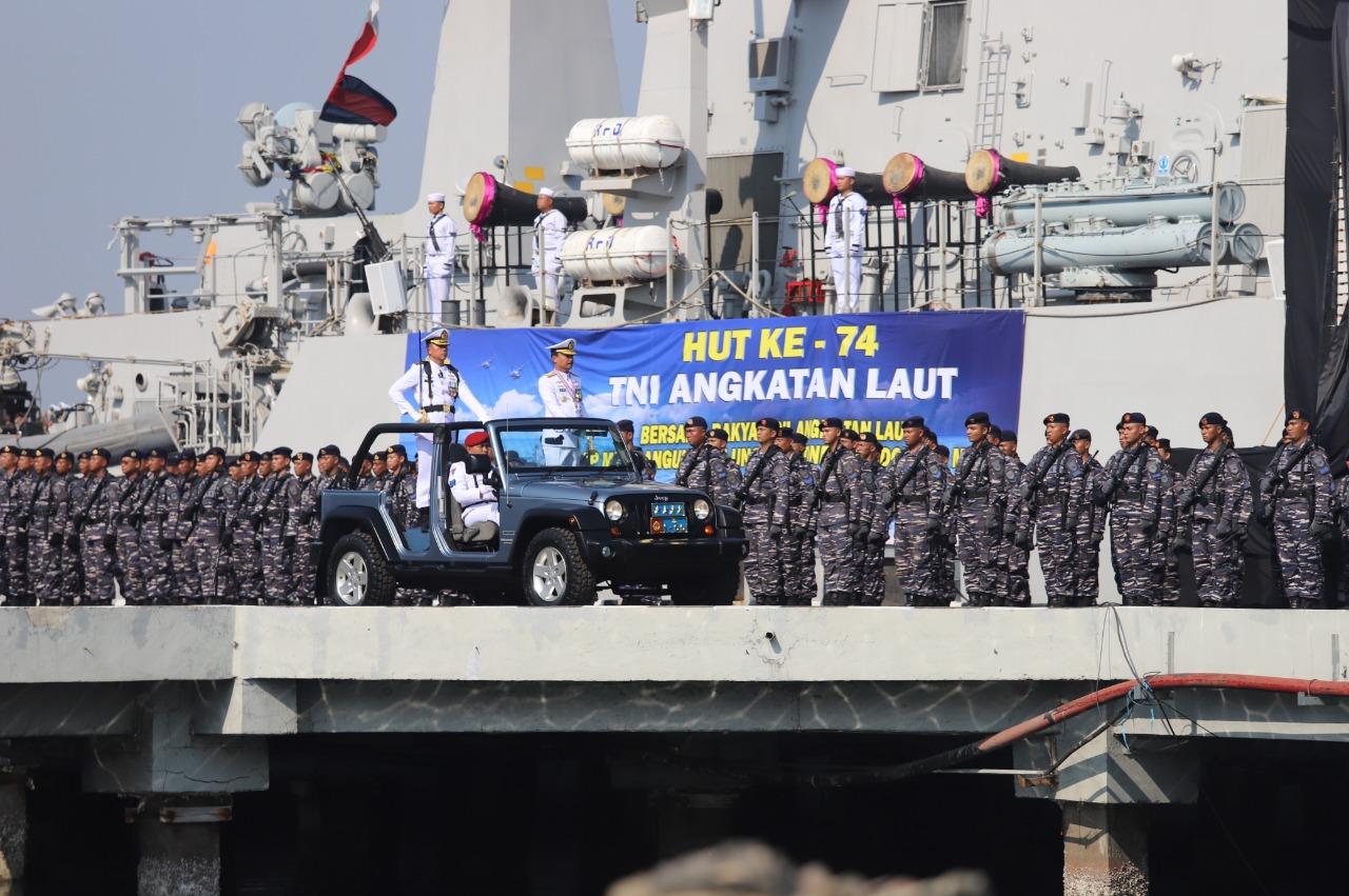 Peringati HUT ke-74 TNI AL Gelar Upacara di Koarmabar Pondok Duyung Tanjung Priok