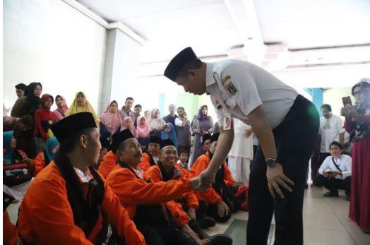 DKI Jakarta Umrohkan 72 Marbot Masjid