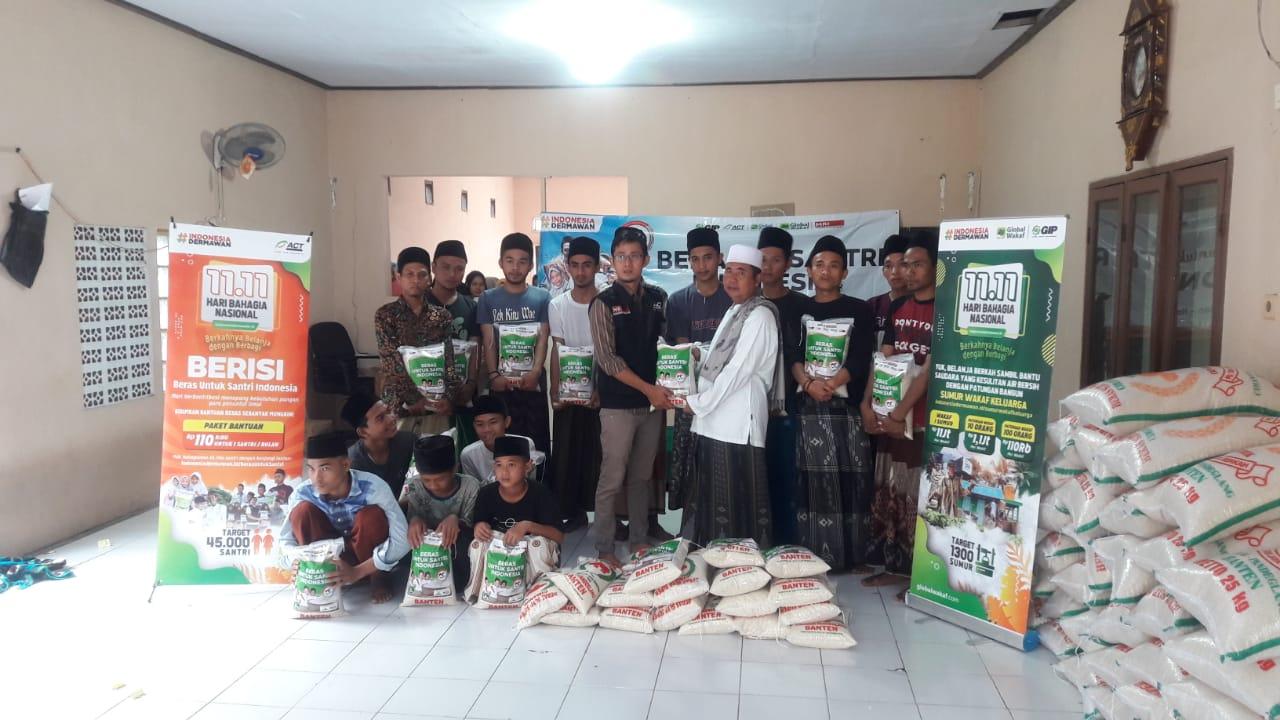 ACT Distribusikan 55 Ton Beras untuk Pesantren Prasejahtera