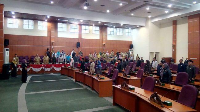 Mohammad Idris Hadiri Rapat DPRD Pandangan Umum Fraksi Tentang RAPBD 2020