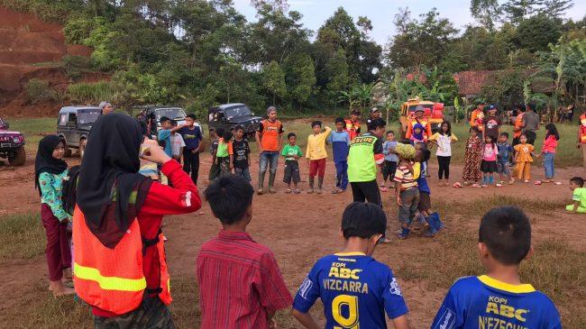 Hilangkan Trauma Pada Anak, WMI Gelar Trauma Healing Di Desa Cileuksa