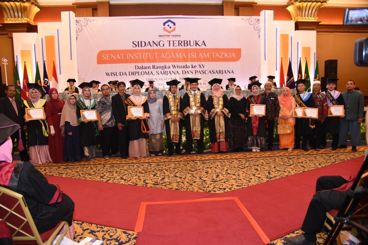 Mahasiswa Penerima Bantuan Penelitian Bank Indonesia Menjadi Mahasiswa Terbaik Institut Tazkia