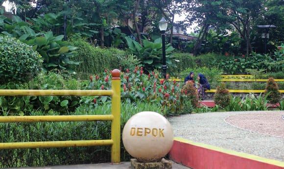 DLHK Kota Depok Bertanggung Jawab Penuh Terhadap Pemeliharaan Taman