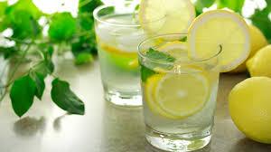 Manfaat air Jeruk Lemon Untuk Kesehatan dan Kecantikan
