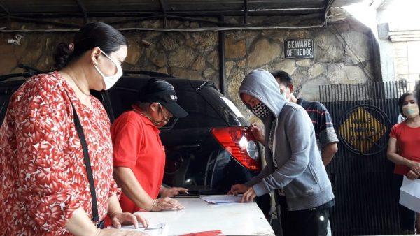 Warga Kartini RT 04/09 Kelurahan Depok Terima Banpres Tahap 2