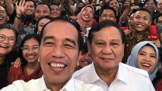 Jokowi Gandeng Prabowo : Babak Baru Wujudkan Indonesia Maju