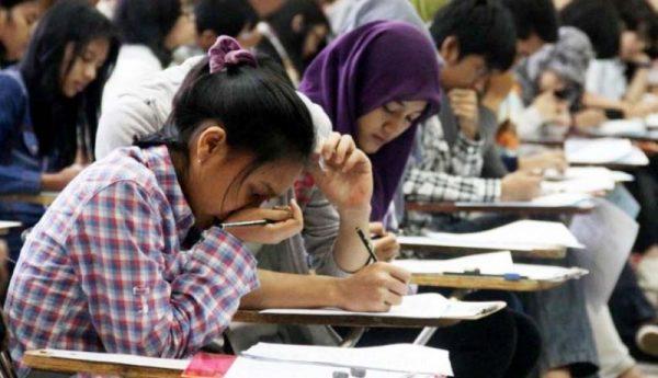Kisah Inspiratif, Mahasiswa Riau Sempat Ditolak SBMPTN Kini Kuliah di Dua PTN Surabaya